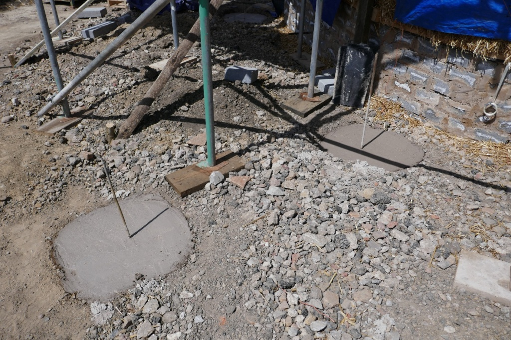 Pads for the structural timbers
